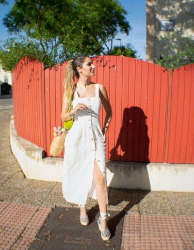Moda verano - Vestido Blanco de Botones