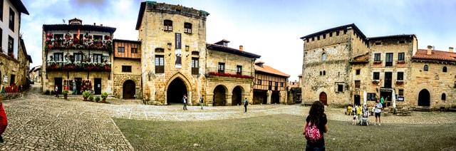 que visitar en Santillana del mar - Plaza principal