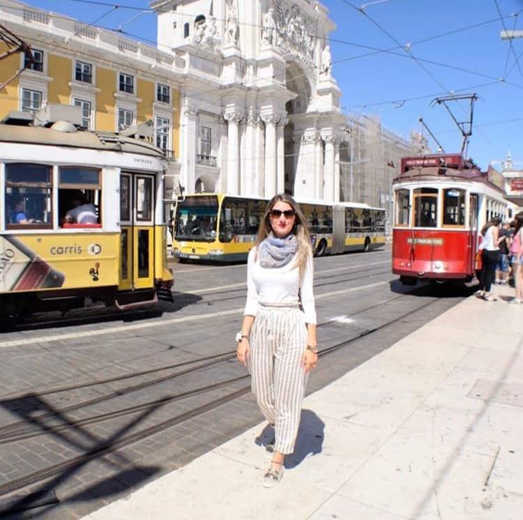 Viaje a Lisboa en dos días - Tranvias en Plaza del Comercio